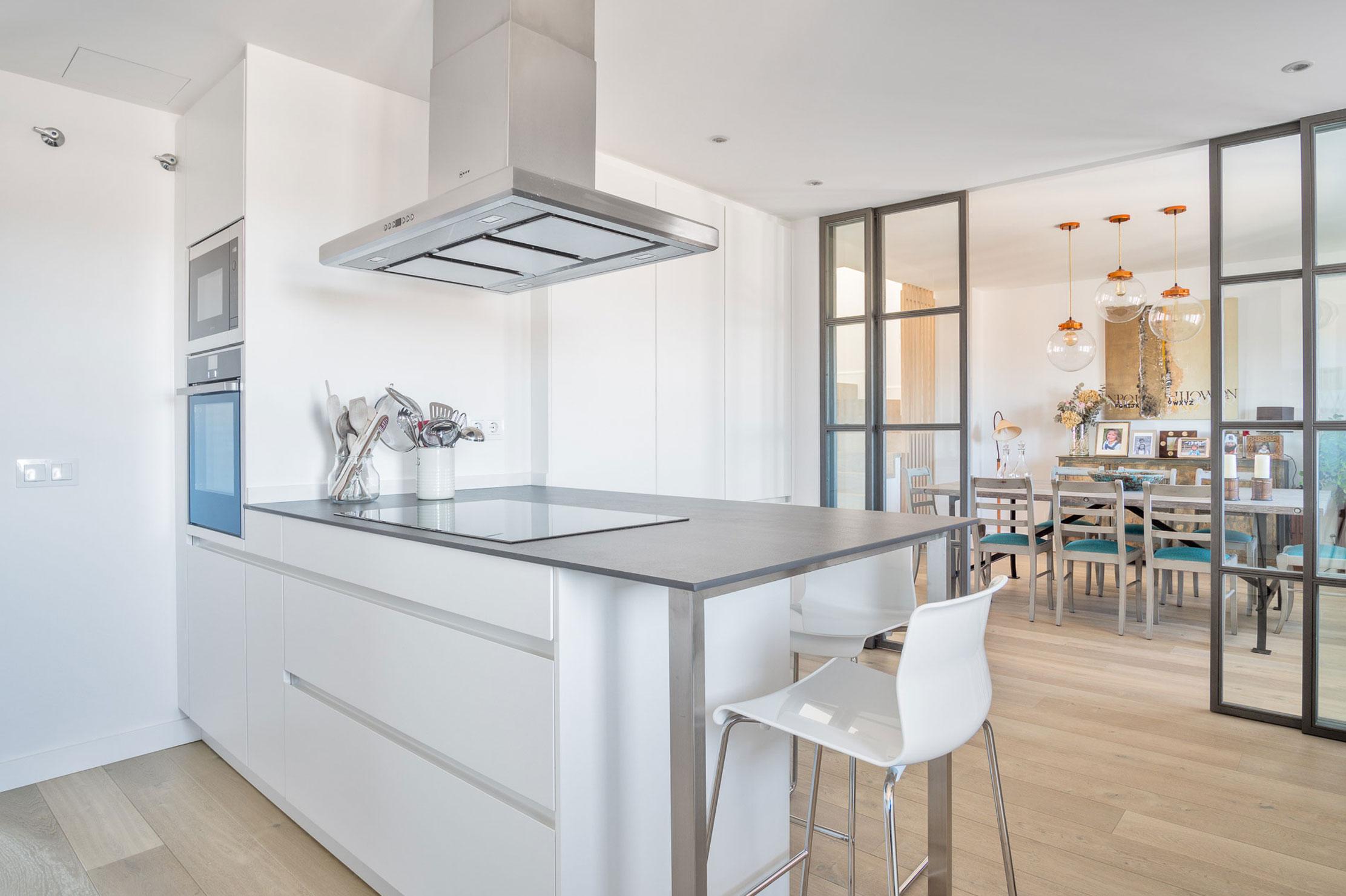 Reformas de cocinas en madrid alonso y blanco for Saneamientos pereda catalogo